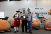 Gerard Ansems Receives Prize for 1727 @ Windsor Weigh Off
